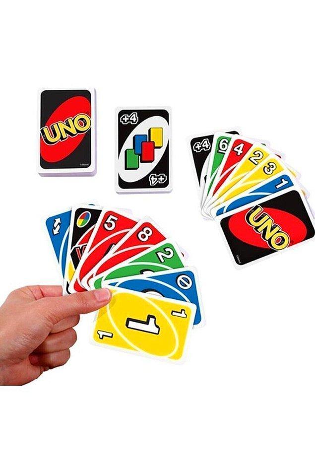 11. Oyun oynamayı seviyorsan yanına kutu ve kağıt oyunları da alabilirsin...