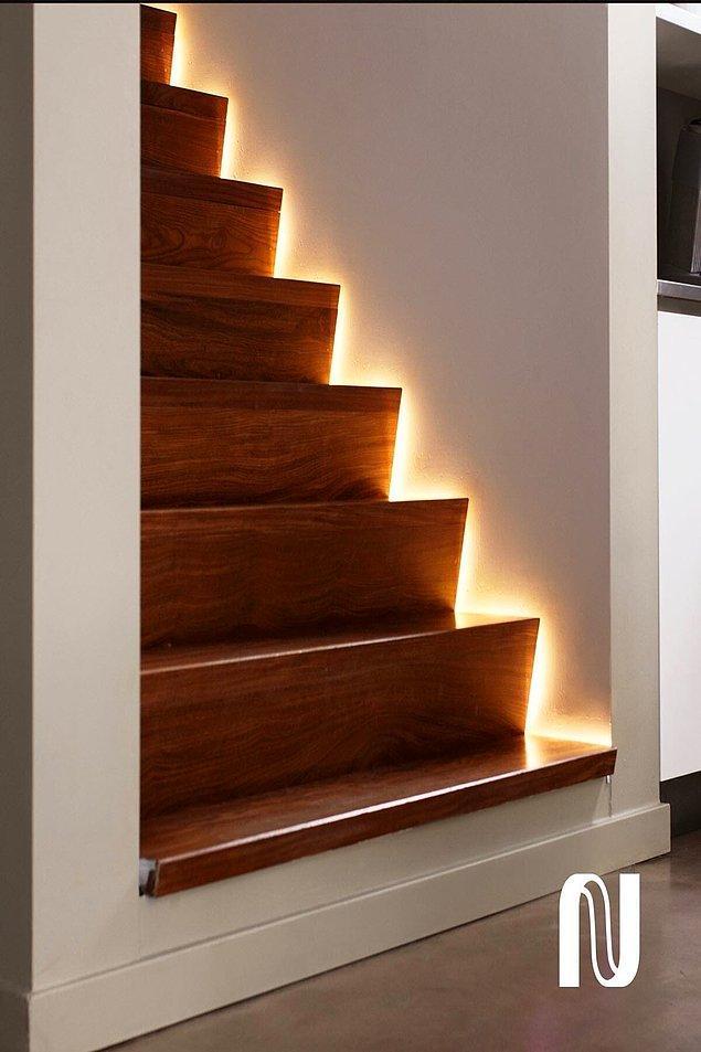 10. Merdiven, bahçe, balkon ve birçok alanda kullanacağınız bu şerit ledler evinizin havasını değiştirecek.