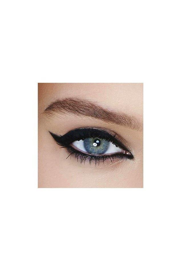 9. Göz makyajının en riskli kısmı: eyeliner