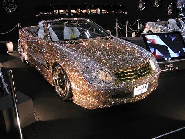 4. Pırlanta kaplı bir Mercedes...