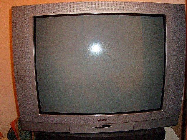 13. Tüplü televizyon