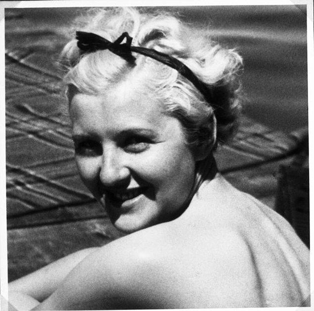Eva Braun ile Hitler tanıştıklarında Eva'nın yaşı daha 17 iken Hitler'in yaşı 40'tı.