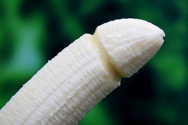 """2. """"Penis boyu erkeklerin sandığı kadar önemli değil! Hatta çok büyük olması bazen sorun yaratabiliyor."""""""