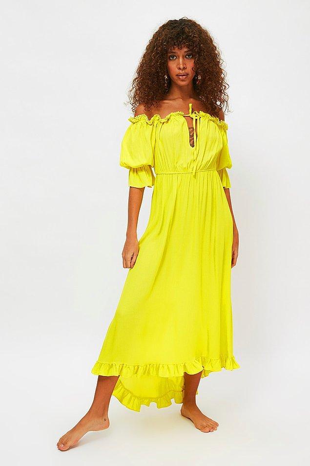 10. Carmen yaka elbise ile plajda da dışarıda da parlayacaksınız.