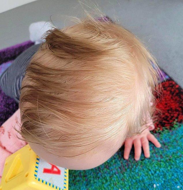 """13. """"Kızım koyu saçlı doğdu ama şimdi saç dipleri sarı renkte büyümeye başladı."""""""