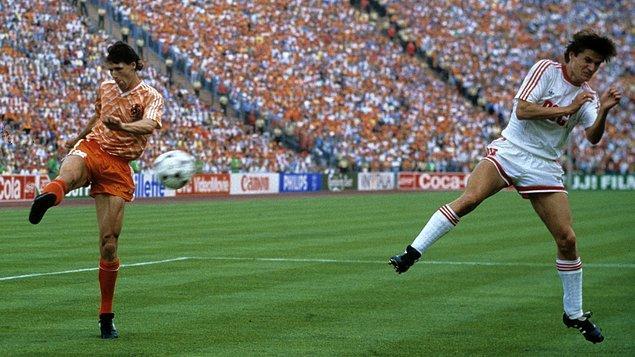 5. Van Basten'in 1988'de attığı unutulmaz vole
