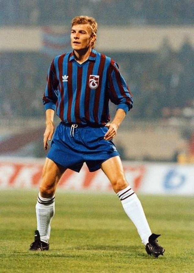 4. Lars Olsen