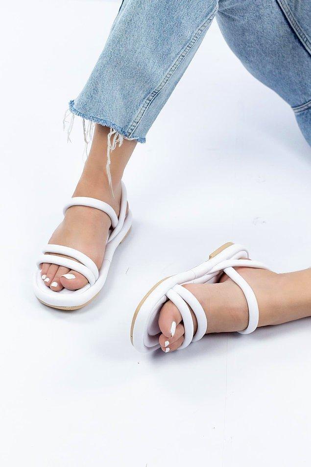 11. Sandalet