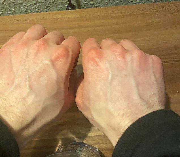 """8. """"Sol elimdeki damarlar 'hey' derken, sağ elimdeki damarlar 'selam' diyor."""""""
