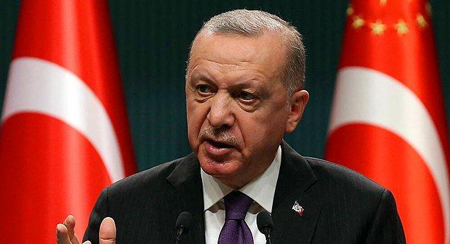 """Cumhurbaşkanı Recep Tayyip Erdoğan, kabine toplantısı sonrası koronavirüs kısıtlamalarına ilişkin alınan yeni kararları açıkladı. Erdoğan, """"kusura bakmasınlar. Gece, kimsenin kimseyi rahatsız etmeye hakkı yoktur"""" açıklaması sosyal medyadan tepki çekti, #kusurabakıyoruz etiketi trendlere girdi."""