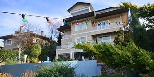 Ancak geçtiğimiz günlerde Özil kayınvalidesine Acarkent'ten bir villa satın almış.