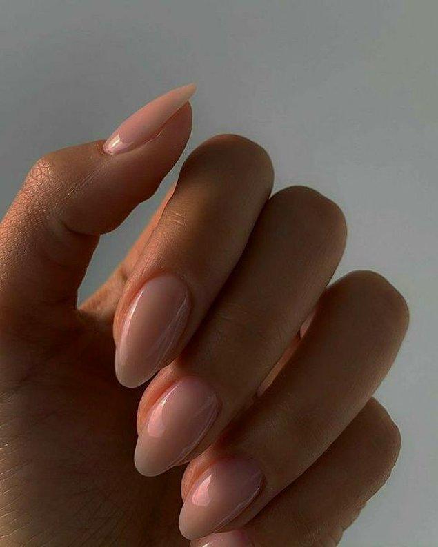 7. Tırnaklarınız ve tırnak etleriniz için düzenli olarak E vitamini kullanın.