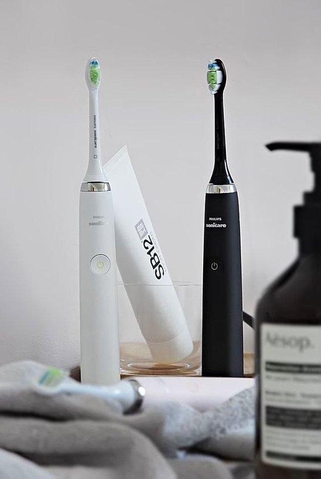 10. En doğru diş fırçalama yöntemi için şarjlı diş fırçalarına göz gezdirin!