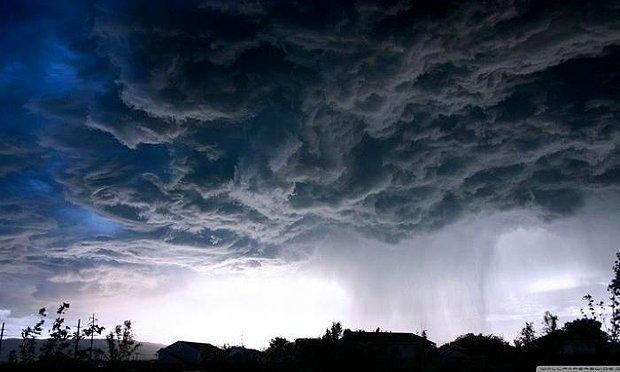 Yağmur yüklü bir bulut