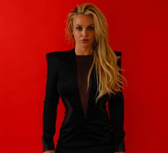 Kendi yaşantılarının cesaret kırıcı ve utanç verici olduğunu söylüyor Britney. Özellikle ruhsal sağlığının insanlar tarafından sorgulanması.