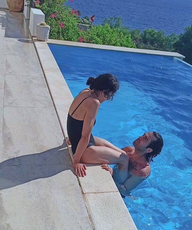 Ünlü oyuncu şu anda sevgilisi Dinç Aydoğdu ve oğlu Leon ile beraber Bodrum'da tatilde.