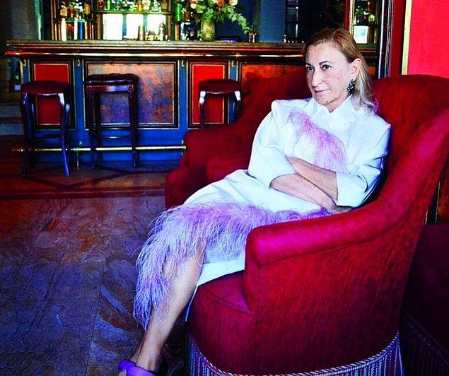 13. Miuccia Prada, markasını taklit eden sahte ürünlere aldırış etmeyen az sayıdaki birkaç tasarımcıdan biridir.