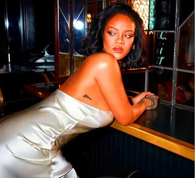 13. Dünyaca ünlü şarkıcı Rihanna'nın kiraya verdiği evinden aldığı miktar görenleri şaşkına çevirdi.
