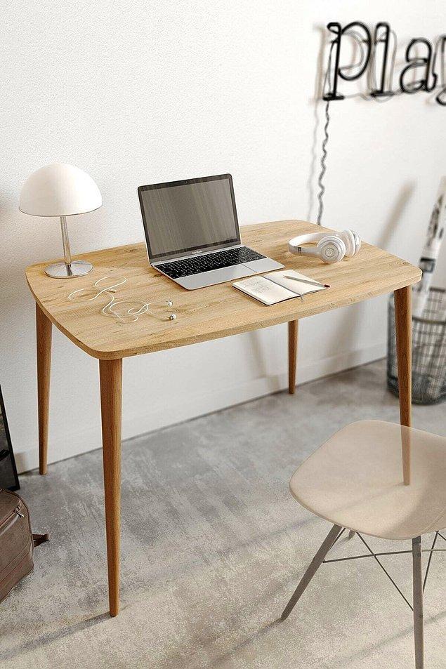 1. İlk olarak eğer mümkünse iyi bir çalışma masası alabilirsiniz.