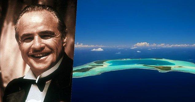11. 'Godfather' filmiyle adını tarihe yazdırmış efsane oyuncu Marlon Brando'nun Tahiti'deki adasında kendi adıyla açılmış lüks bir otel var.