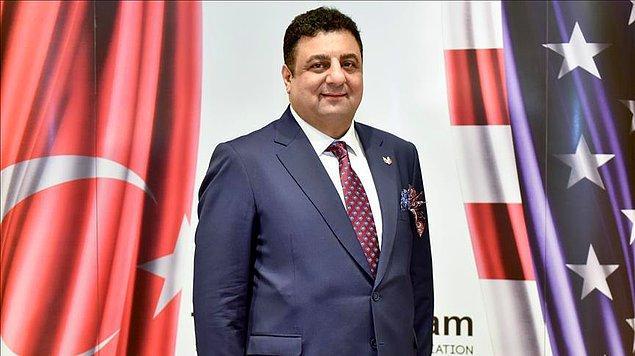 İyi derecede İngilizce, Rusça ve Fransızca bilen Ali Osman Akat 2010-2021 yılları arasında Türk Amerikan İş Adamları Derneği başkanlığı yapmıştır.