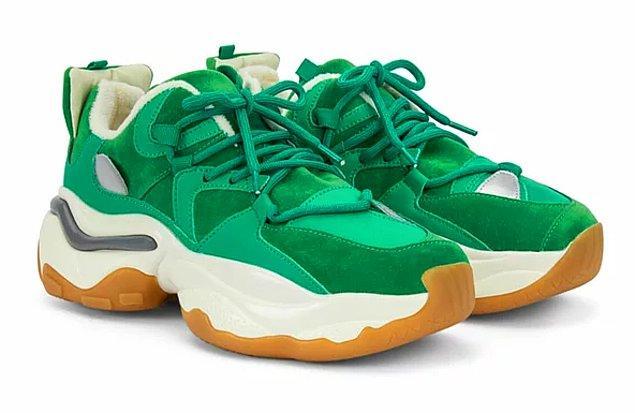 19. Canlı renklere sahip sneakerlar çok moda. İpekyol'un bu modeli de şahane...