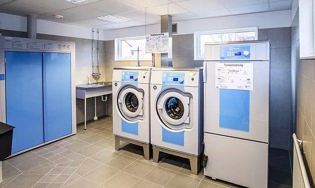 """""""Burada halka açık çamaşır makinelerini kullanmak için haftalar önceden rezervasyon yapmanız gerekiyor."""""""
