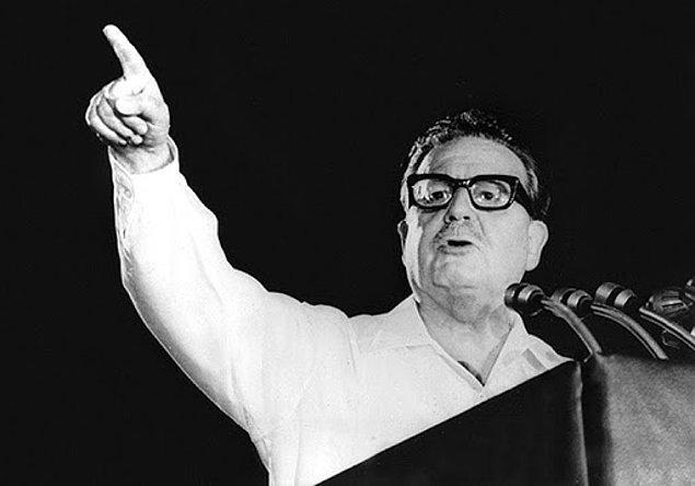 Sosyalist lider Salvador Allende, 1970 yılında seçimleri kazanarak devlet başkanı oldu.