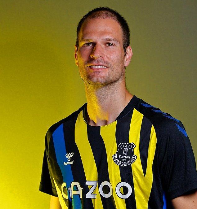 106. Asmir Begovic