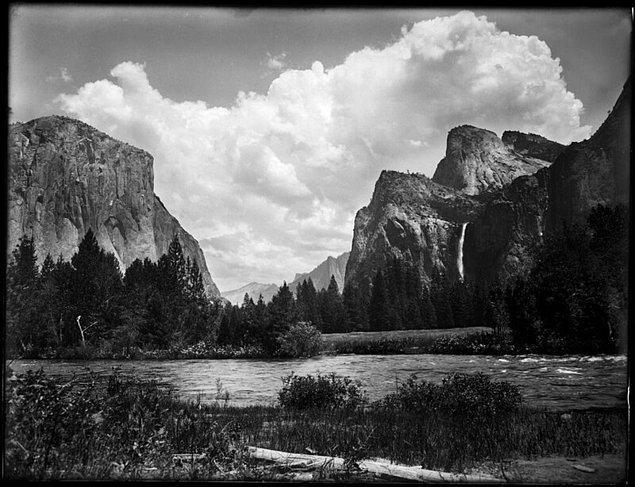 9. Ansel Adams'ın Kaliforniya'daki Yosemite'yi çektiği fotoğraflar, 2000 yılında Rick Norsigian tarafından bulundu. Norsigian'ın 45 dolara satın aldığı fotoğraf plakaları, aslında değeri 200 milyon doları bulan Yosemite çekimleriydi.