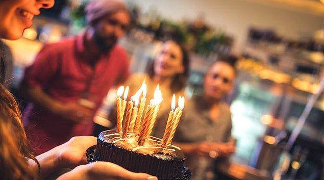 Aileye ve Sevdiklerinize Atabileceğiniz En Özel Doğum Günü Mesajları