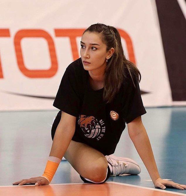A Milli Takım'ın ile Milletler Ligi İkinciliği, Avrupa Voleybol Şampiyonası İkinciliği ve Tokyo Olimpiyatları Avrupa Kıta Elemeleri Birinciliği başarılarında pay sahibi oldu.