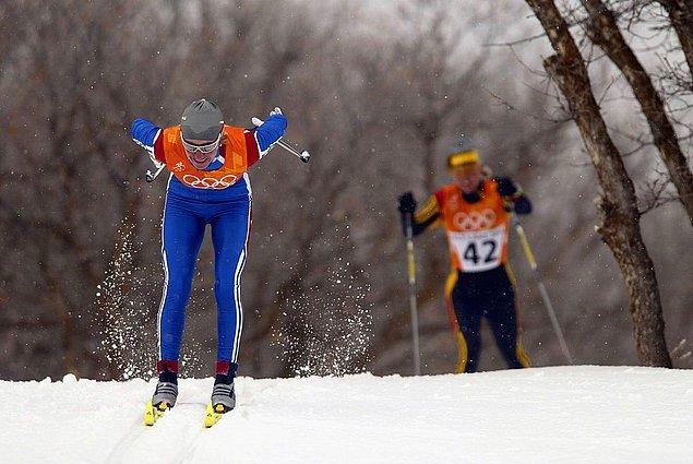 2002: kros kayakçısı diskalifiye edildi.