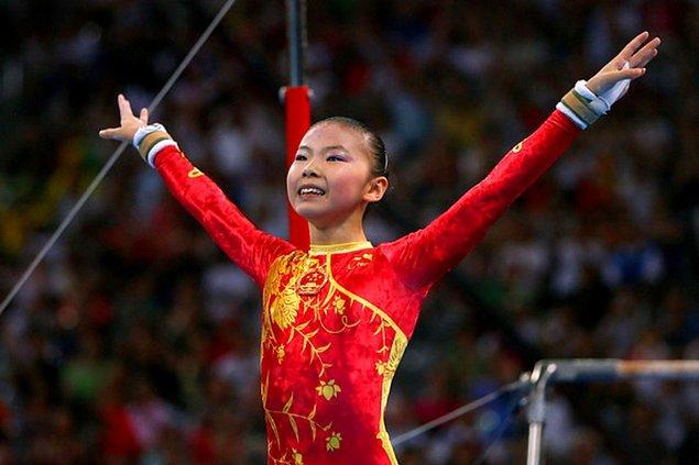 2008: Üç Çinli jimnastikçinin yaşları hakkında belirsizlikler yaşandı.