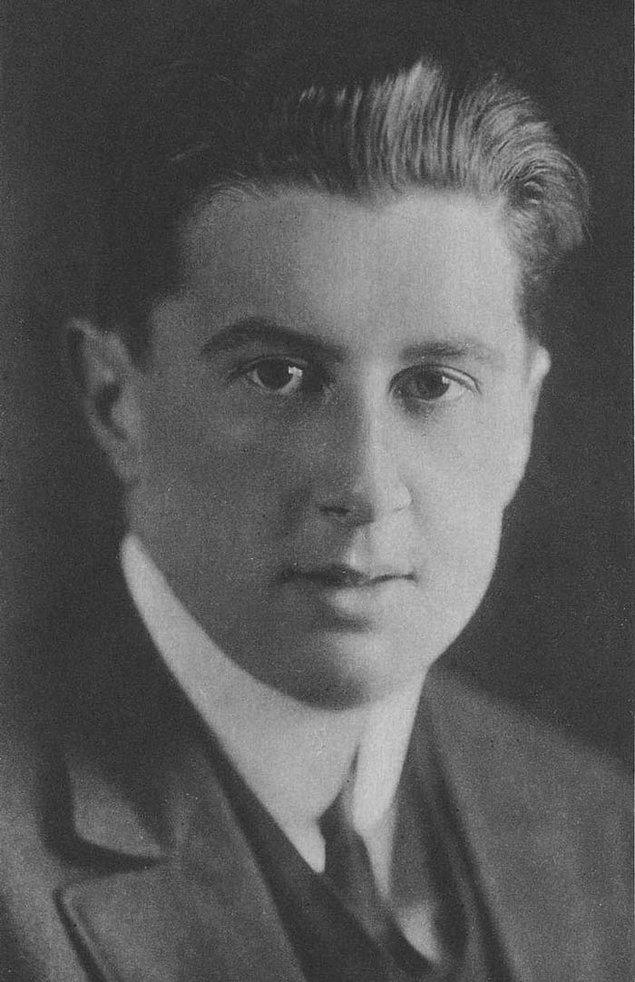 4. Richard Norris Williams, belinin derinliklerine kadar dondurucu suda 6 saatten fazla zaman geçiren bir Titanik kazazedesi idi. Doktorlar, her iki bacağını da kesmek istedi ancak o reddetti ve 1920'de Wimbledon Erkek Çiftler Badminton Turnuvasını kazandı.