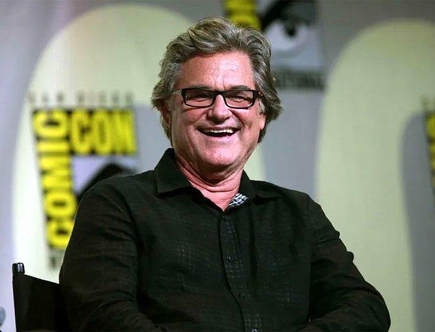 """21. Stargate filmindeki rolü için Kurt Russell'a, o zamanlar yapılan küresel bir ankette """"sevilmemesi imkansız"""" olarak değerlendirilen tek aktör olduğu için 2 kat ücret ödenmiştir."""