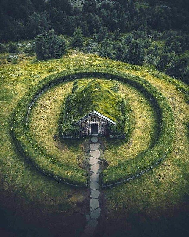 3. İzlanda'daki büyük kabin.