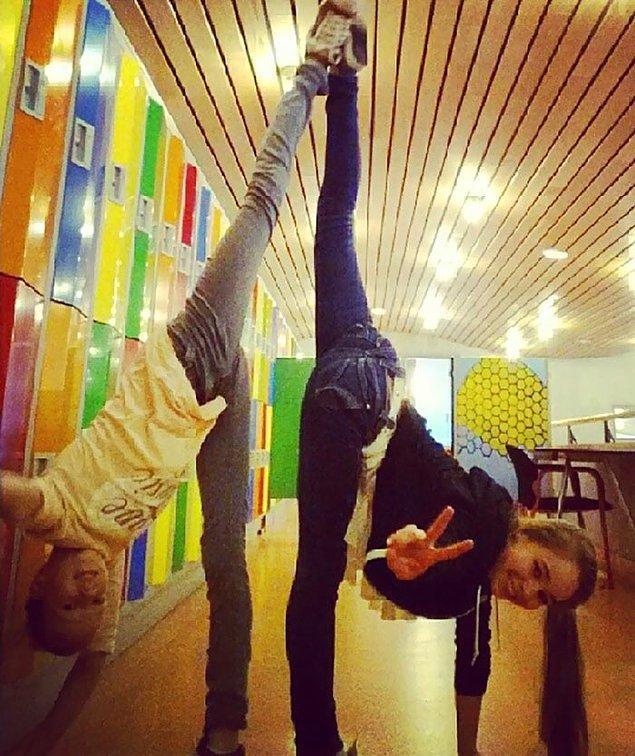 24. Hollandalı genç jimnastikçilerin günlük hayatından sıradan bir fotoğraf: