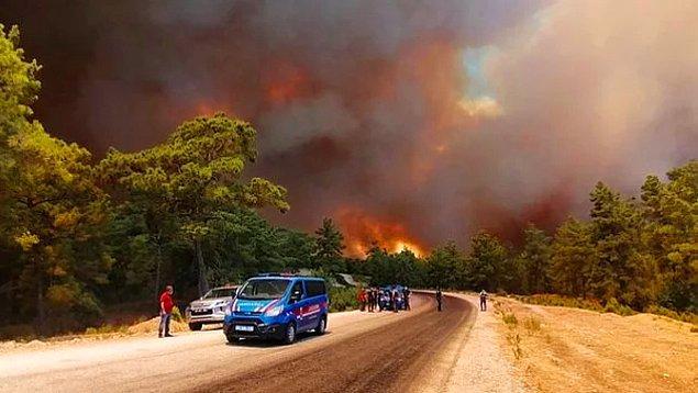 Yangının sıçradığı yerlerden birisi de ünlü manken Tuğba Özay'ın evi ve çiftliği...