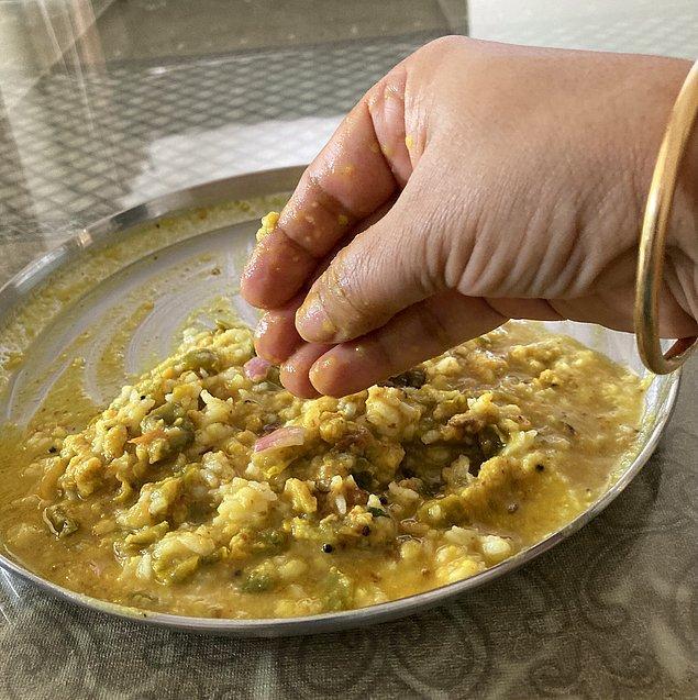 """7. """"Hindistan'da tabakta yemek bırakmak günah sayılır. Bizim ailede özellikle size verilen ilk tabak tertemiz bırakılmalıdır."""""""