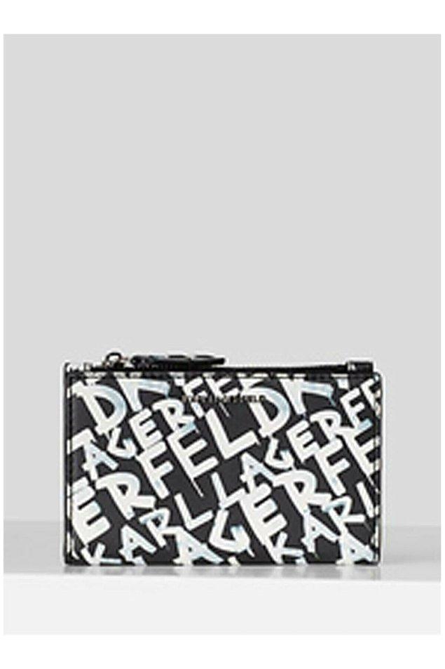 8. Karl Lagerfeld portföy siyah beyazın asaleti ile bütünleşince ortaya harika bir parça çıkmış...
