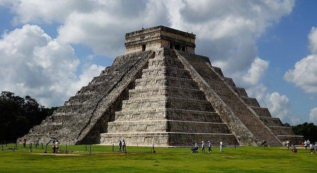 """9. Dünyanın 7 harikasından biri olan """"Chichen Itza Piramidi"""" hangi ülkededir?"""