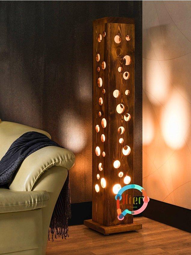 3. Ayaklı lamba modeli sevenler için şık bir tercih.
