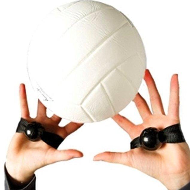 13. Voleybol egzersiz bandı ile bir voleybol oyuncusu gibi egzersiz yapın...
