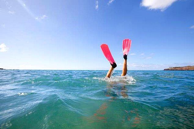 """5. """"Arkadaşımın eski ve yıpranmış denge yeleği (BCD) kendi kendine şişmeye başladığında yaklaşık 25 metrelik bir dalış yapıyorduk."""""""