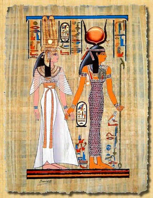 12. Kleopatra şık ve ince detaylı kıyafetleri ve ihtişamlı girişleri ile tanınırdı.