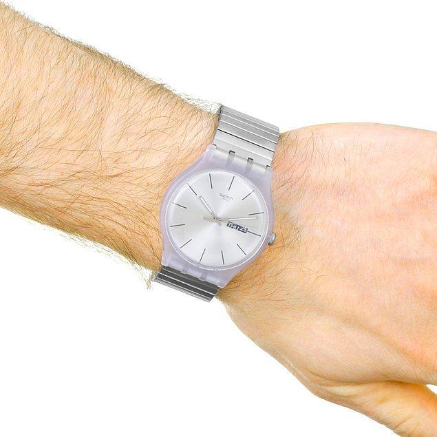 6. Uzun ömürlü spor bir aksesuar için Swatch saat modellerini seçenekleriniz arasına ekleyebilirsiniz.