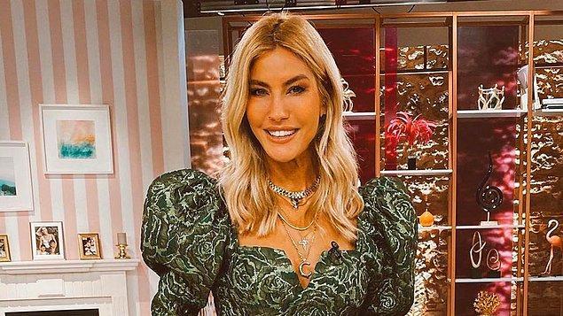 Bu kısa dedikodudan sonra Çağla Şıkel'in güzelliğinin nasıl tescillendiğine, yani Miss Turkey Güzellik Yarışması'nda birinci olduğu yıllara gidiyoruz.
