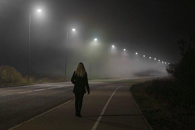 Türkiye şartlarında biz kadınlar hem gece hem gündüz sokaklarda tacize, şiddete ya da tecavüze uğrama korkusuyla yürüyoruz.