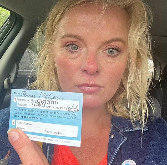 John'un ikiz kardeşi Jenny McCann ise kendisinin hikayesini sosyal medyada paylaşarak insanlara John'un son anlarında aşı olmadığı için pişman olduğunu anlattı.